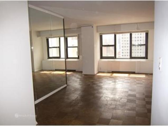 220 East 57th Street, Unit 17H Image #1