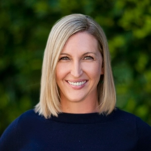 Claire Namdar, Agent in Los Angeles - Compass