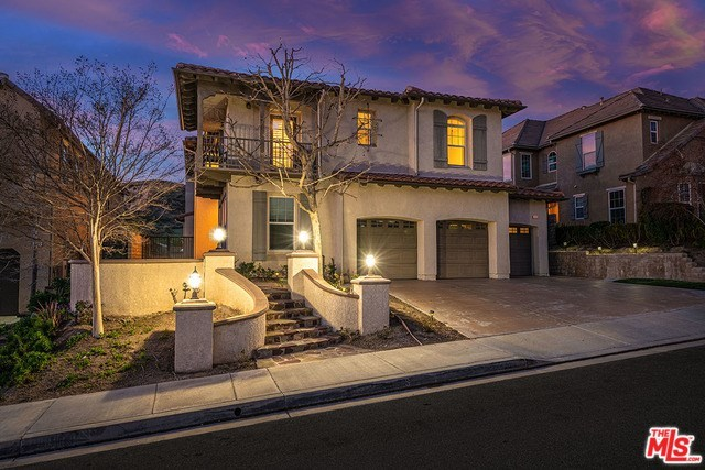 1909 Lakota Street Simi Valley, CA 93065