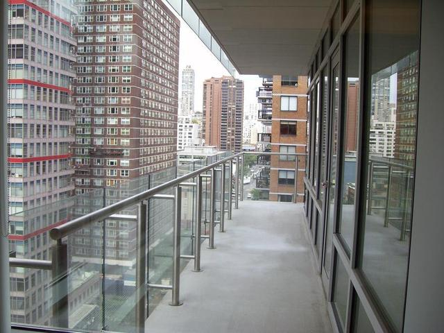 310 East 53rd Street, Unit 15B Image #1