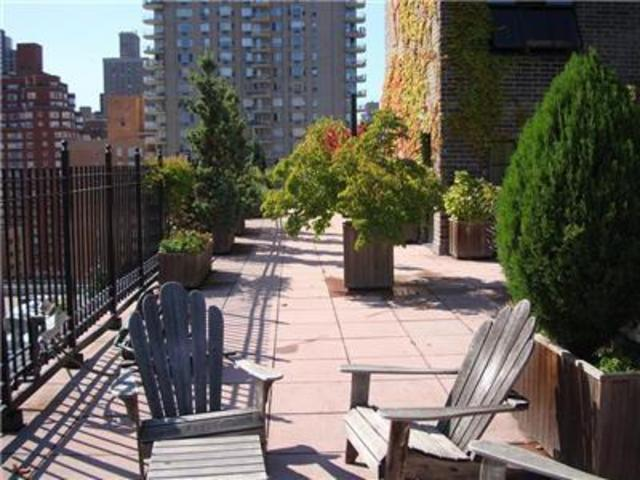 340 East 74th Street, Unit 10J Image #1