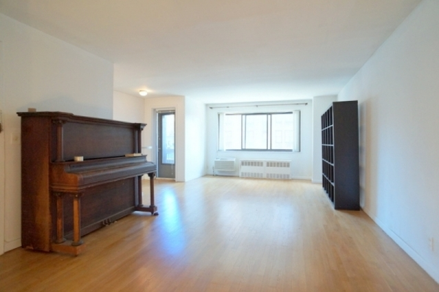 85 8th Avenue, Unit 6S Image #1