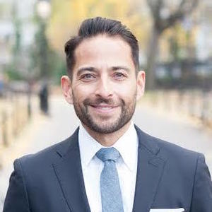 Gilbert Morales, Agent in NYC - Compass