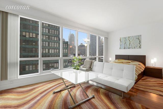350 West 42nd Street, Unit 12I Image #1