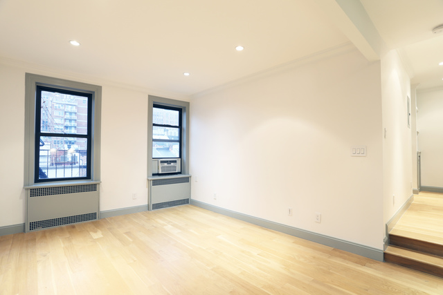 421 West 21st Street, Unit 1B Manhattan, NY 10011