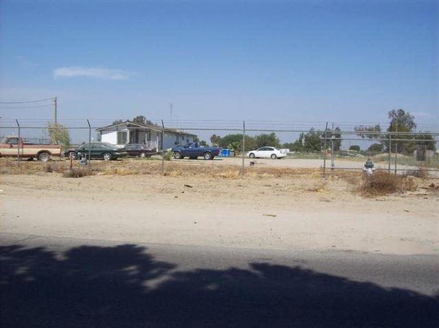 13498 South Henderson Road Caruthers, CA 93609