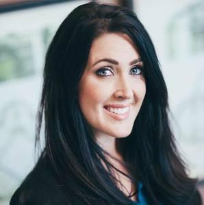Amanda Uggla, Agent in Nashville - Compass