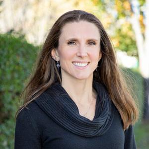 Julia Weisenberg, Agent in The Hamptons - Compass