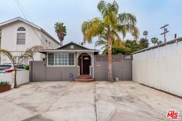 2369 Beach Avenue Venice, CA 90291