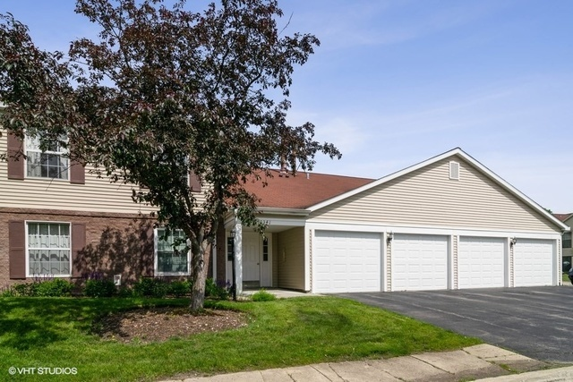 341 Newport Lane, Unit C2 Bartlett, IL 60103