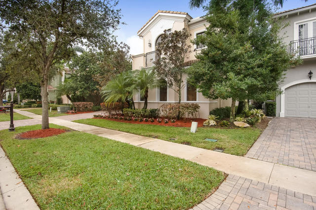 17763 Lake Azure Way Boca Raton, FL 33496