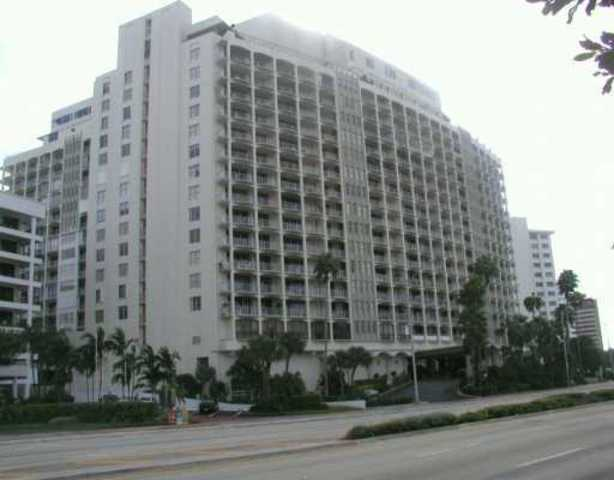 5401 Collins Avenue, Unit 1115 Image #1