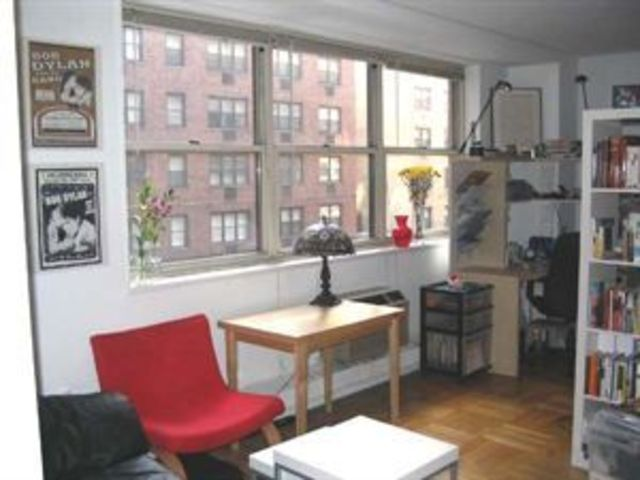 63 East 9th Street, Unit 3E Image #1