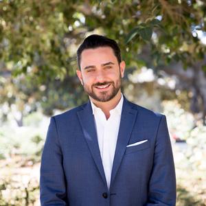 Evan Dolmatsky,                     Agent in Los Angeles - Compass