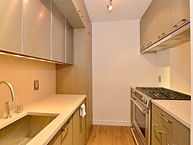 225 Rector Place, Unit 3S Image #1