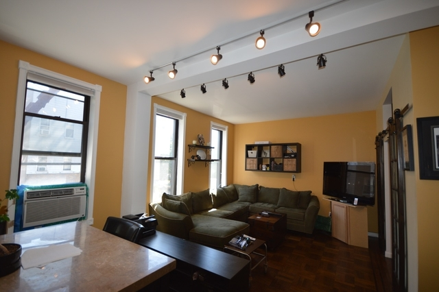 515 Graham Avenue, Unit 2F Image #1