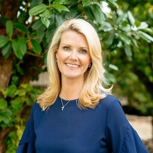 Meg Beaird,                       Agent in Dallas-Fort Worth - Compass