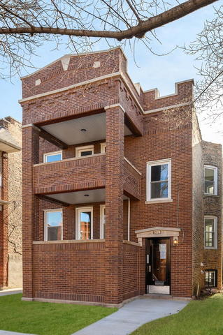 3129 West Eastwood Avenue, Unit 1 Chicago, IL 60625