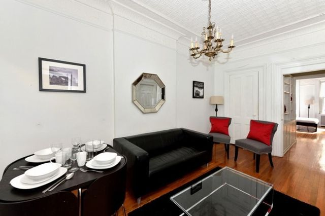 309 East 52nd Street, Unit 3A Image #1