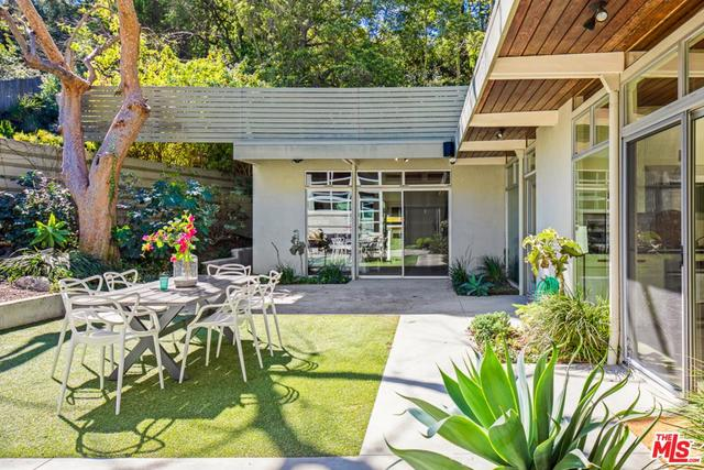 2539 Greenvalley Road Los Angeles, CA 90046