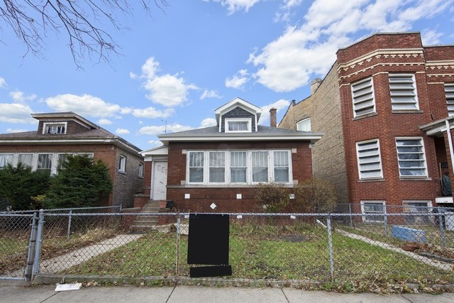 2444 North Keeler Avenue Chicago, IL 60639