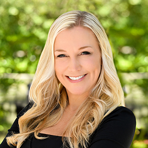 Jennifer Abbott, Agent in South Florida - Compass