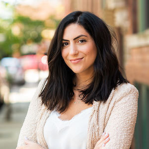 Sarah Pasquesi,                       Agent in Chicago - Compass