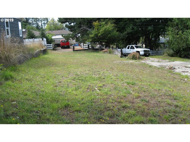 613 25th Street Myrtle Point, OR 97458
