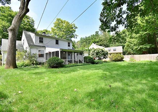 39 Saxon Road Worcester, MA 01602