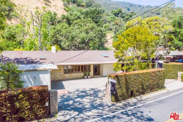 2951 Mandeville Canyon Road Los Angeles, CA 90049