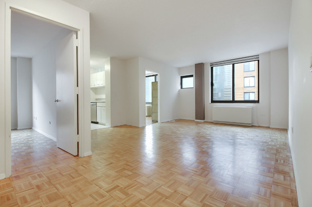 2 South End Avenue, Unit 4I Image #1