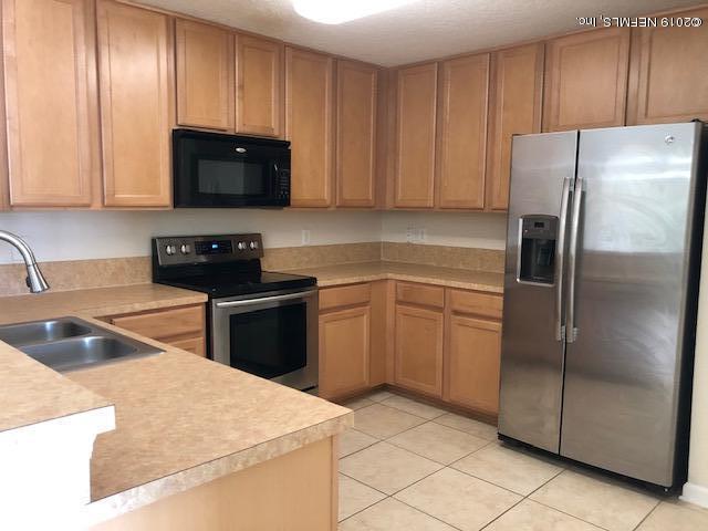 Find Homes for Sale in Deerwood Center, Northeast Florida