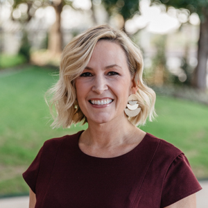 Amy Sack,                       Agent in Dallas-Fort Worth - Compass