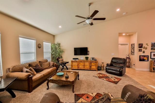 3904 Pine Bend Way Shafter, CA 93263