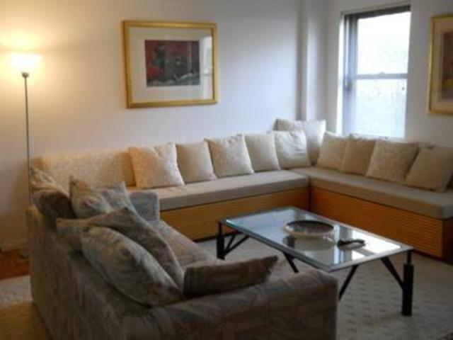 235 East 49th Street, Unit 7G Image #1