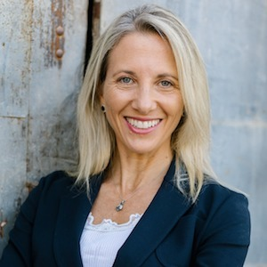 Pavi Micheli,                     Agent in San Francisco - Compass
