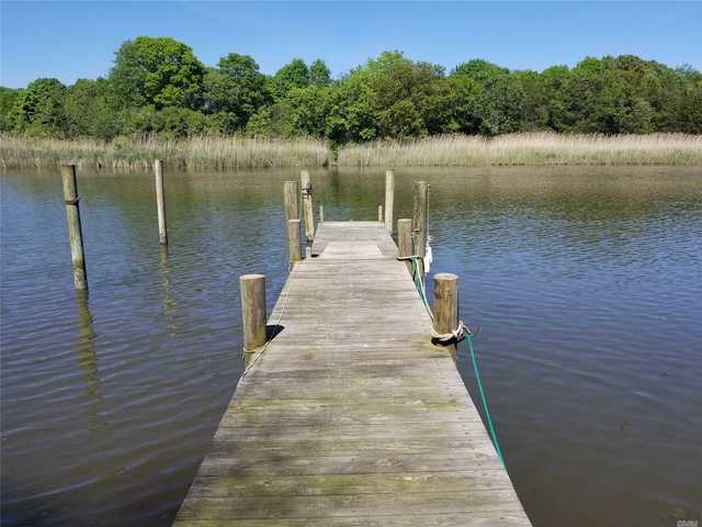 76 Inlet View Path East Moriches, NY 11940