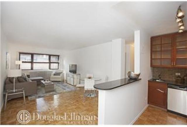 320 East 54th Street, Unit 8B Image #1