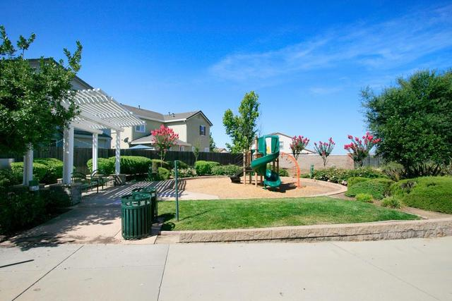 873 Courtyards Loop Lincoln, CA 95648