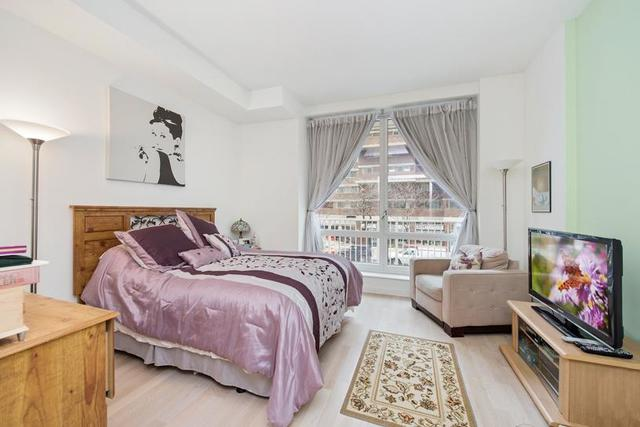 340 East 23rd Street, Unit 2G Image #1