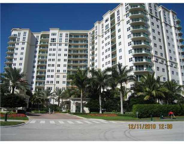 20000 East Country Club Drive, Unit 305 Image #1