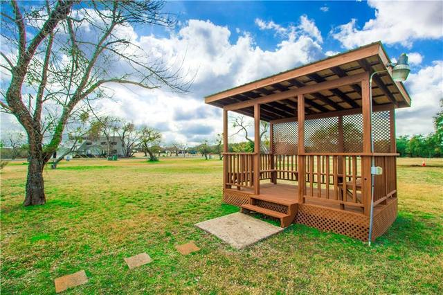 1036 Coventry Road Spicewood, TX 78669