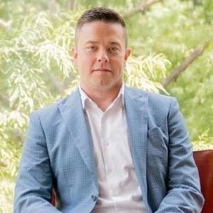 Bret Whitfield,                       Agent in Dallas-Fort Worth - Compass