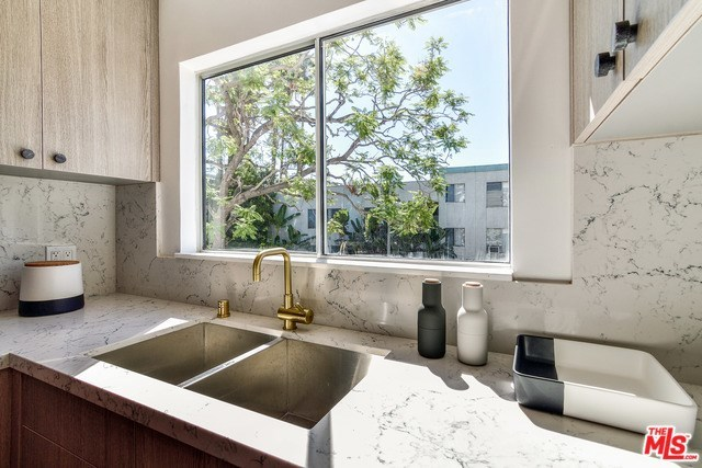 8535 Colgate Avenue, Unit 6 Los Angeles, CA 90048