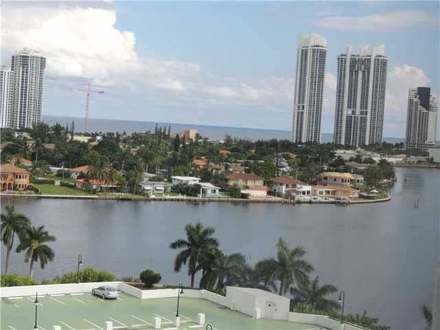 3600 Mystic Pointe Drive, Unit 1212 Image #1