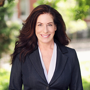 Robyn Russo, Agent in NYC - Compass