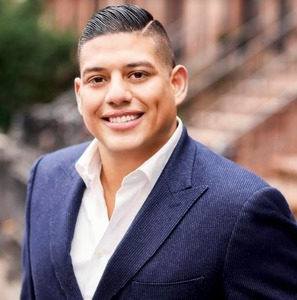 David Fernandez,                       Agent in NYC - Compass