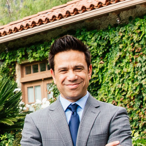 Noel Palomaria,                     Agent in Los Angeles - Compass