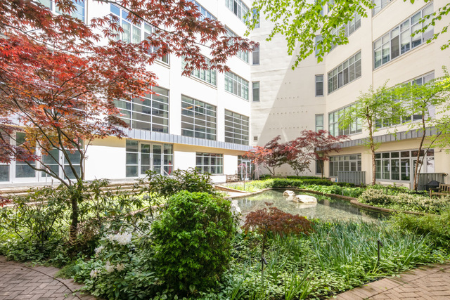 27-28 Thomson Avenue, Unit WORKSPACE1 Queens, NY 11101