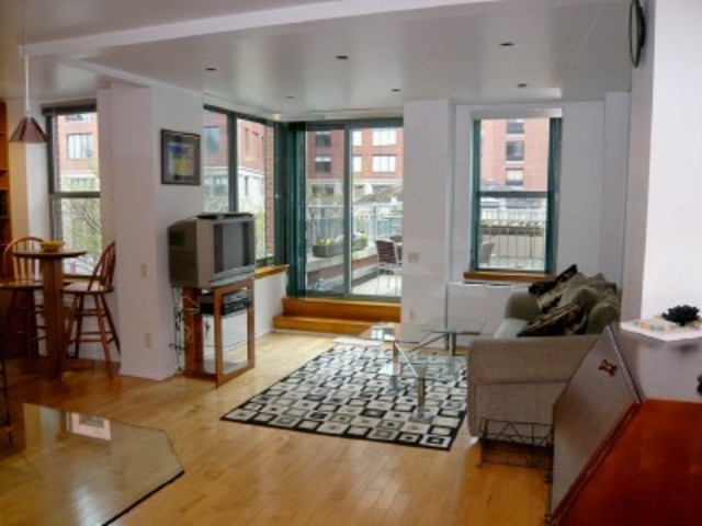 21 South End Avenue, Unit 224 Image #1